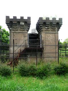 gate237_3.jpg