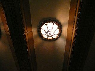 light320.jpg