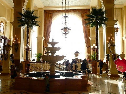 lobby2_480.jpg