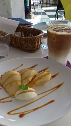 cafe237.jpg